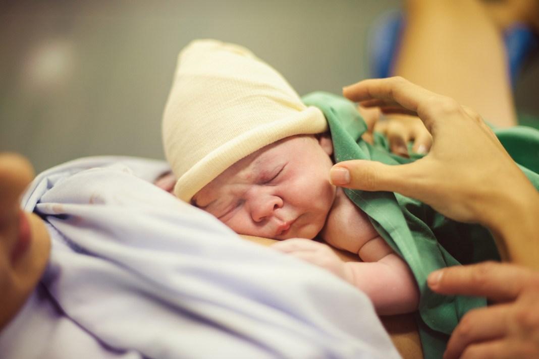 O mamica a scapat de trombofilie si a nascut foarte usor si fara dureri cu ajutorul hipnozei